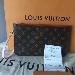 Louis Vuitton monogram pochette mm